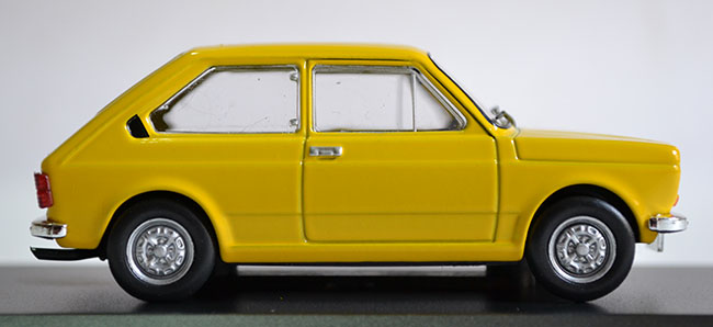 Fiat-147-1979_3 - Car Garage